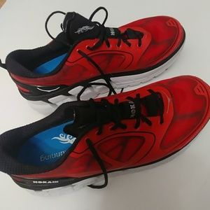 HOKA ONE ONE CONQUEST, RED/BLK/SLVR